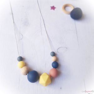 Collier galaxia rose poudre jaune pale